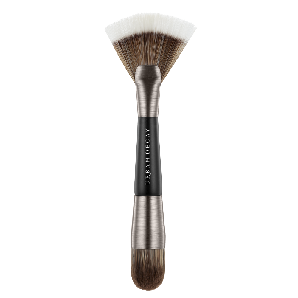Fan brush for contouring