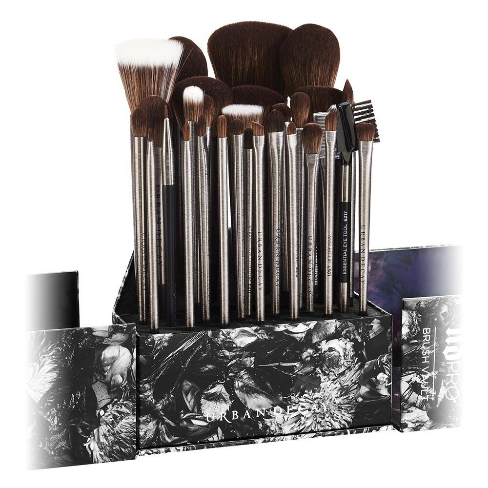 Ud Pro Brush Vault by Urban Decay