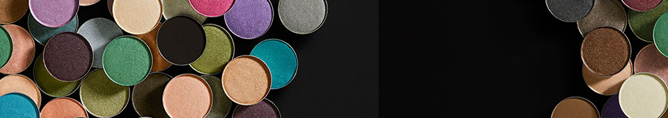 Our Pigment Infusion System™ gives every Eyeshadow shade its velvety texture, rich colour, serious staying power and blendability. Shadow glides on smoothly. Colour stays on your lids.